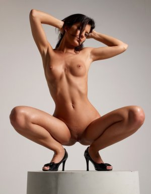 Nadya lesbian incall escorts River Edge, NJ