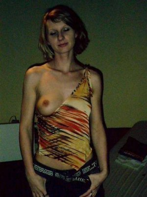 Anne-yvonne escorts Waterbury, CT